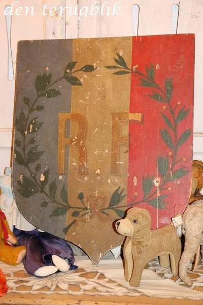 Oud Frans vlaggenstok bord