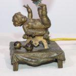 Klein brons tafellampje
